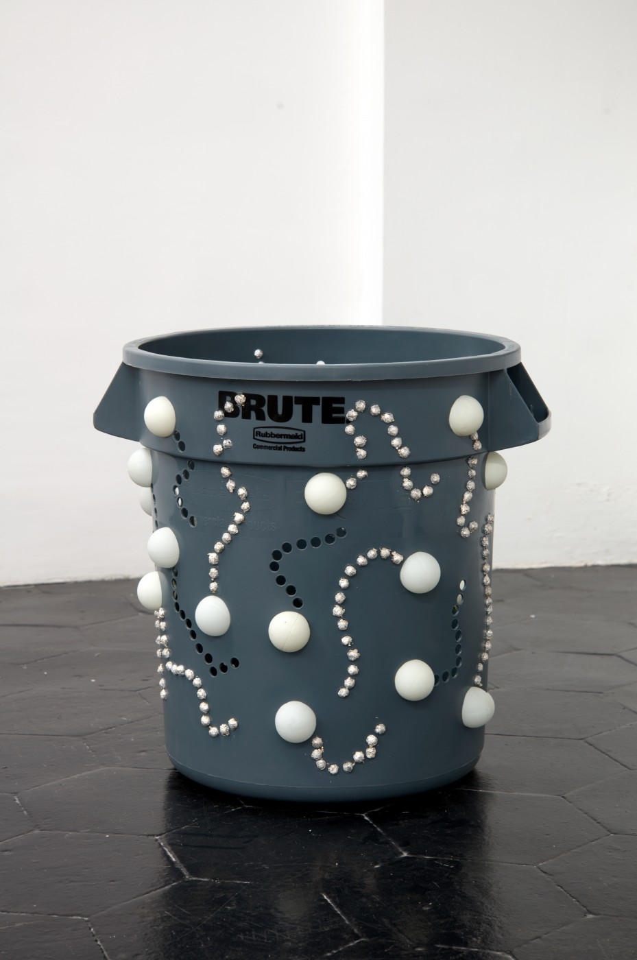 APPLE OF EARTH Nancy Lupo,  Stars, Stiga, Skybounce, Sperm</I>, 2014   10-gallon Rubbermaid Brute container in gray, Stiga, Skybounce and Gamecraft ping pong balls, aluminum foil balls and edible silver leaf   43.8 x 47 cm / 17.25 x 18.50 in - High Art Gallery Paris
