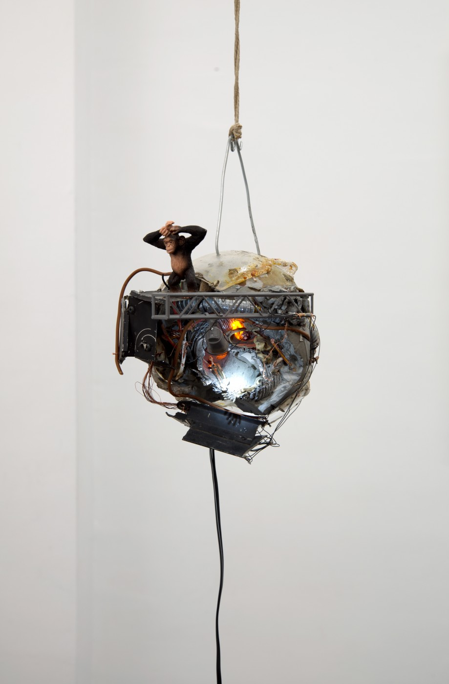 APPLE OF EARTH Mathis Altmann,
