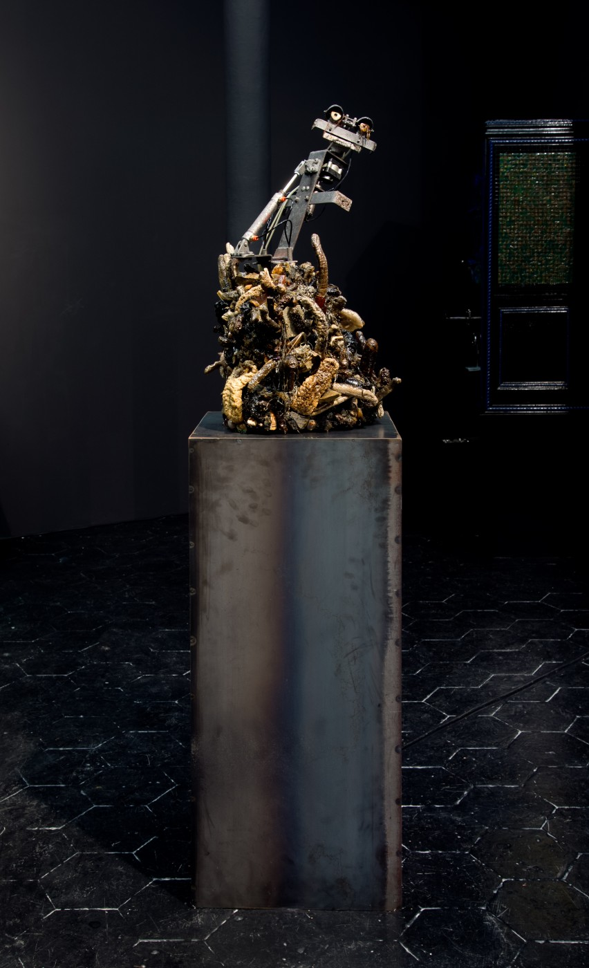 NATURE THEATER OF VIOLENT SUCCESSION  Friend (Avian Endoskeleton)</I>, 2015 Animatronic avian endoskeleton, pneumatic compressor, desiccated marine sea cucumbers, found detritus, polymer resin, UV-LED light, metal plinth 162 x 40 x 38 cm / 63.8 x 15.7 x 15 in  MAX HOOPER SCHNEIDER