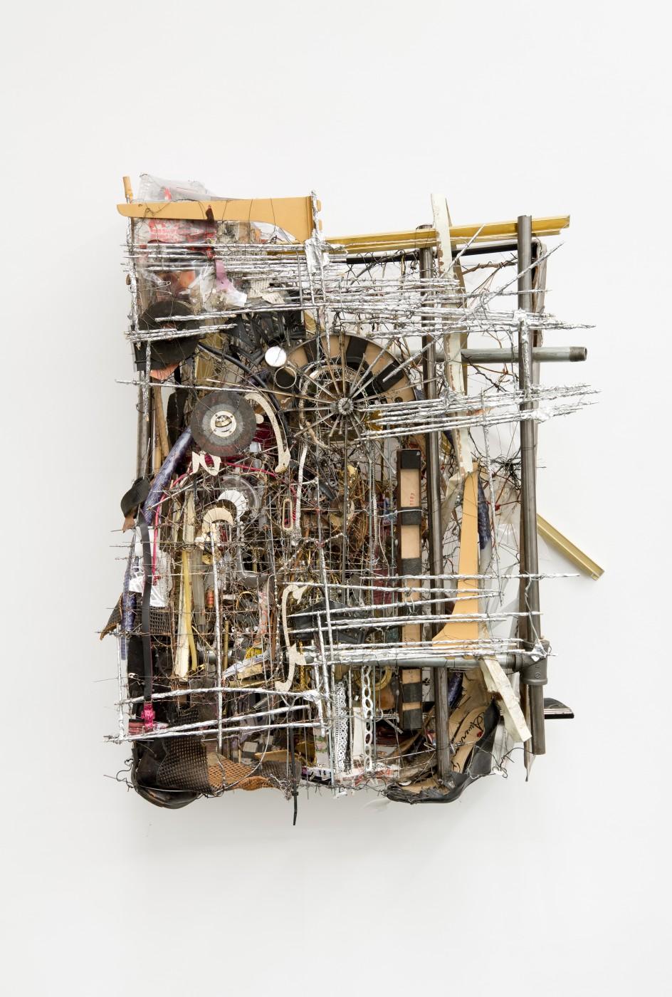 METROPOLITAN  Rosarie Metropolitan</I>, 2015 Mixed media 91,5 x 75 x 35 cm / 36 x 29.5 x 13.7 in - High Art Gallery Paris