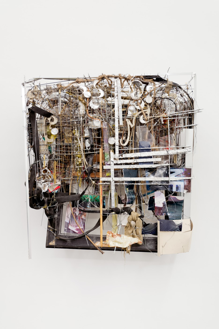 METROPOLITAN  Passion Avenue</I>, 2015 Mixed media 80 x 67 x 22 cm / 31.5 x 26.3 x 8.6 in  ROBERT BITTENBENDER