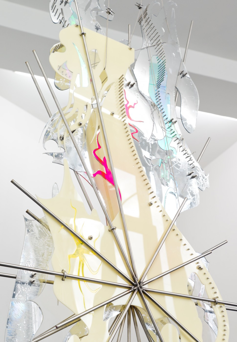 AFTERBURNER, THE ENEMY (LONG ARMED SUN) AND SKINSUIT AT THE CASTLE  Skinsuit at the Castle</I>, 2016 (detail)  Stainless steel, acrylic  180 x 65 x 7 cm / 70.9 x 25.6 x 2.8 in - High Art Gallery Paris