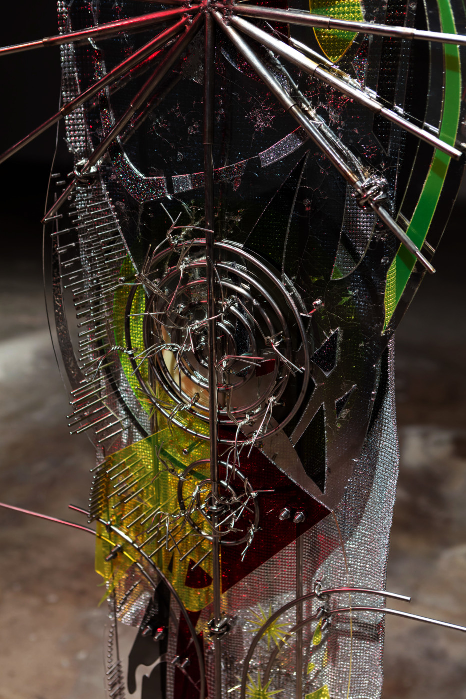 VALERIE KEANE  Enter the Mirror (Fume of Eternity)  (detail), 2018 Acrylic, stainless steel Variable dimensions - High Art Gallery Paris
