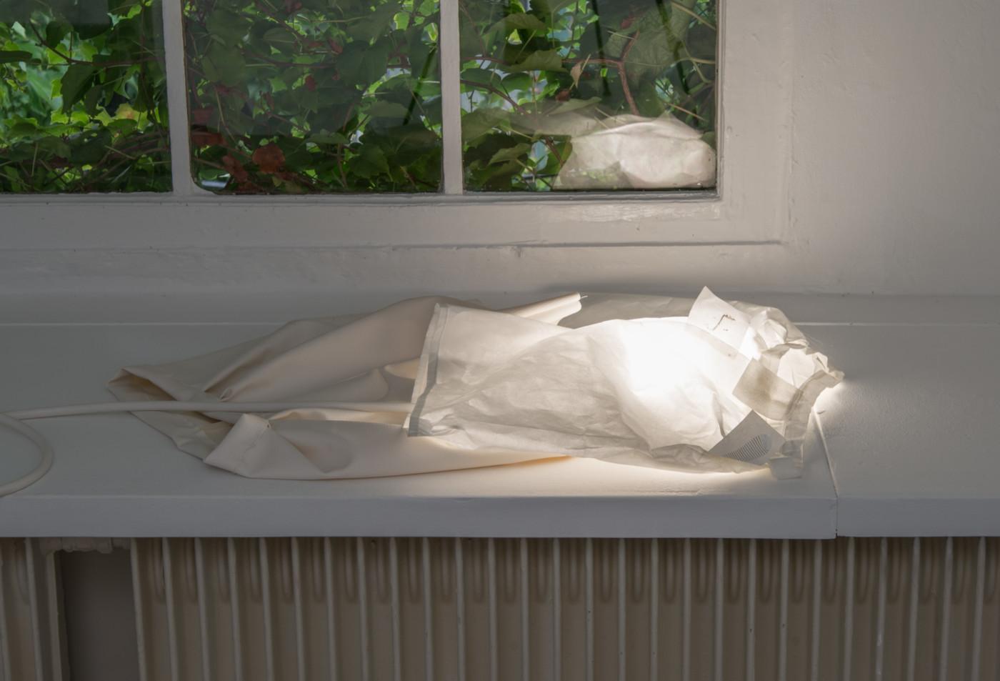 MÉLANIE MATRANGA  Ascendant , 2018 Paper, electrical cords wires, light bulbs 46 x 68 x 2 cm / 18.1 x 26.7 x 0.7 in - High Art Gallery Paris