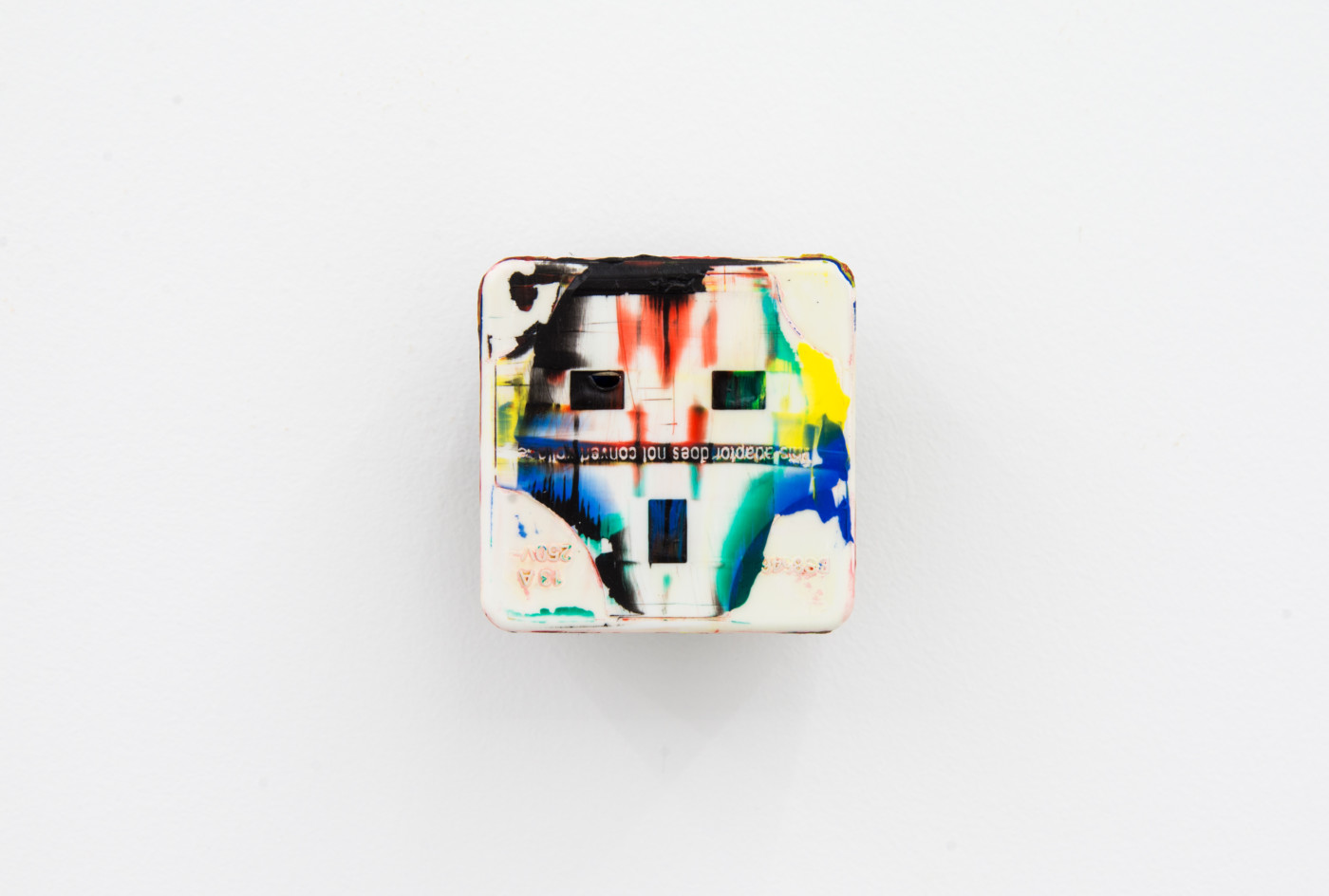 KEITH FARQUHAR  Scream #2</I>, 2019 Oil on travel adaptor 6 x 6 x 4,6 cm / 2.3 x 2.3 x 1.8 in