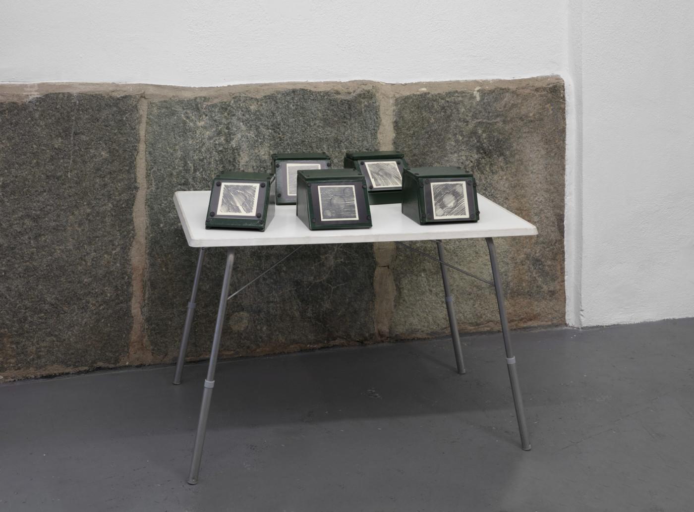BRADLEY KRONZ  Untitled,  2020 Vinyl wood plexi pencil on paper 17,8 x 25,4 x 17,8 cm / 7 x 10 x 7 in - High Art Gallery Paris