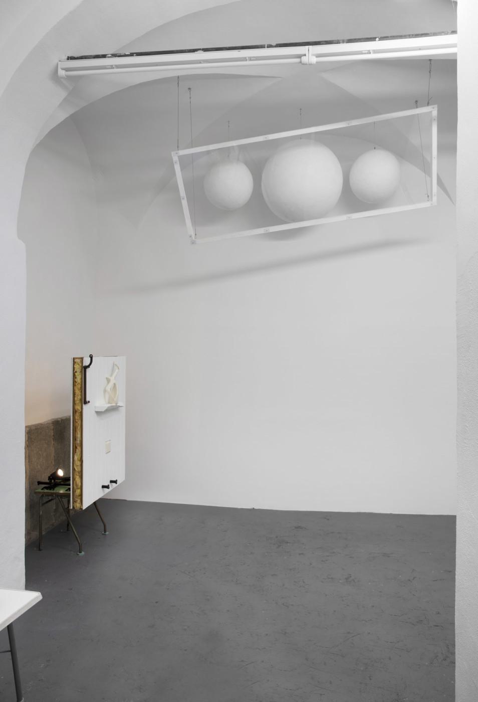 BRADLEY KRONZ  Bradley Kronz,  2020, Bar, Torino, Italy, installation view - High Art Gallery Paris