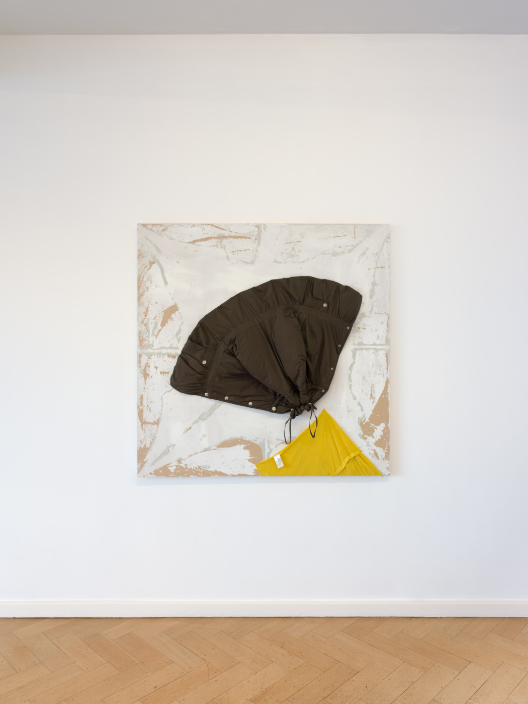 KEITH FARQUHAR  Just Eat,  2021 Found clothes on found wood 120 x 120 x 12 cm / 47 1/4 x 47 1/4 x 4 3/4 in   - High Art Gallery Paris