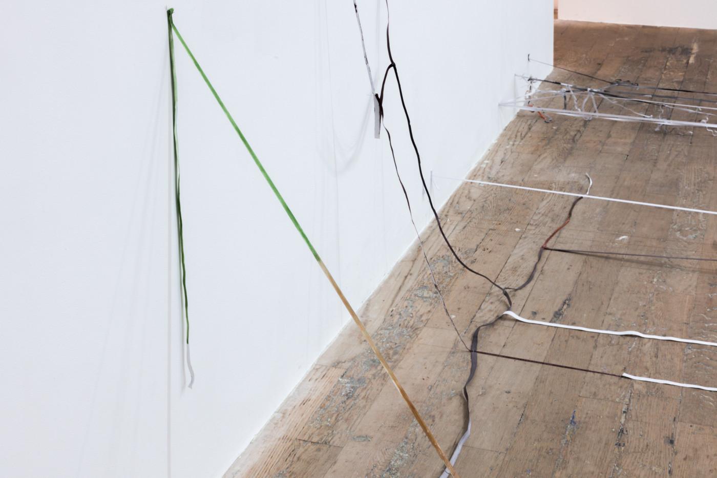 OLGA BALEMA  11,  2019 Elastic band, paint, glue, nails, staples 95,25 x 114,3 x 100,33 cm / 37 1/2 x 44 7/8 x 39 3/8 in - High Art Gallery Paris