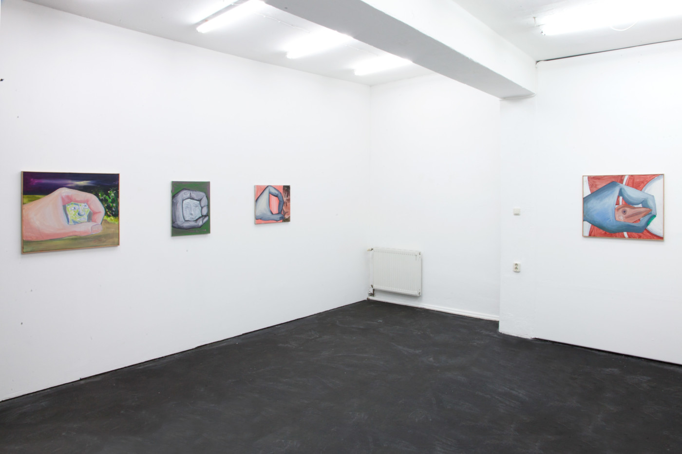 TOM HUMPHREYS  Scanners , 2018, Schiefe Zähne, Berlin, installation view - High Art Gallery Paris