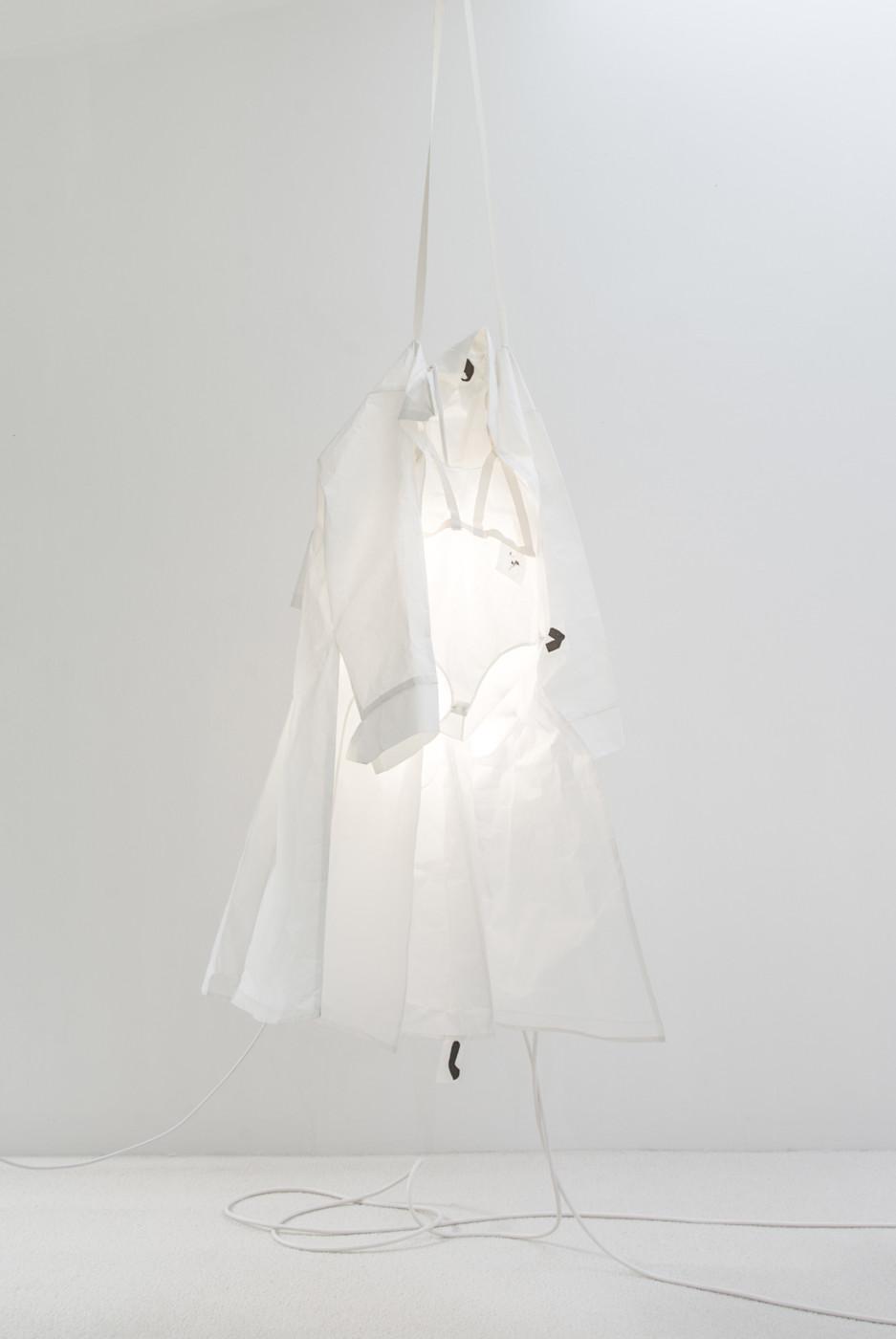 MÉLANIE MATRANGA  F-É-M-I-N-I-N , 2018 Japanese paper, mobile phone, wires 247 x 90 x 60 cm / 97.2 x 35.4 x 23.6 in - High Art Gallery Paris