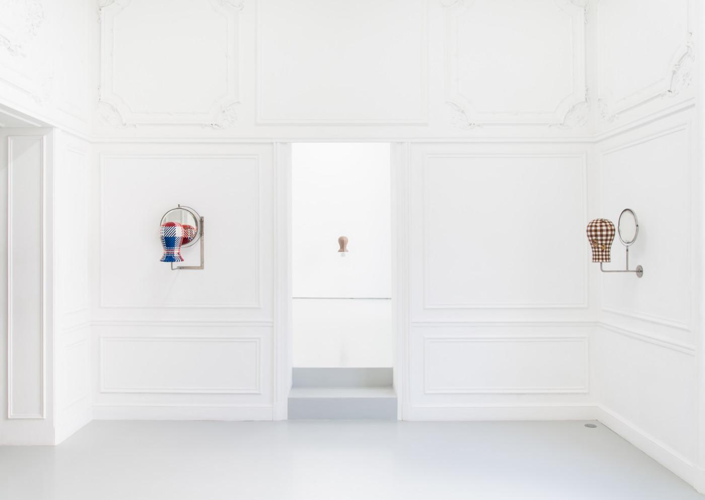 ORION MARTIN  Tête , 2019, High Art, Paris, installation view - High Art Gallery Paris