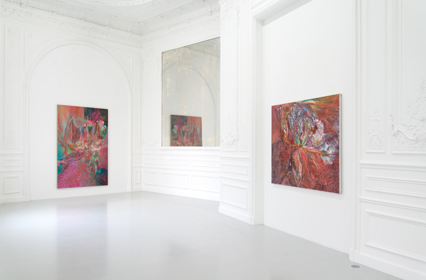 FIRST MEETINGS  - High Art Gallery Paris